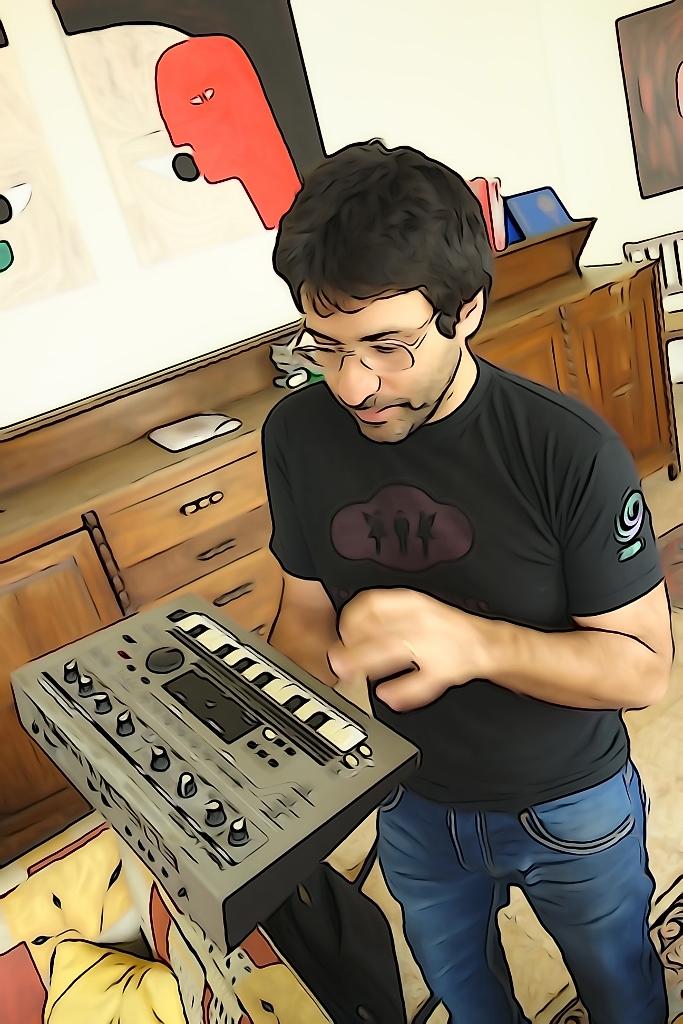 Une après-midi chez Zeid Hamdan, acteur majeur de la scène musicale libanaise